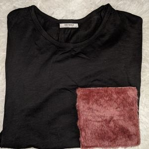 Fuzzy pockey short sleeve top